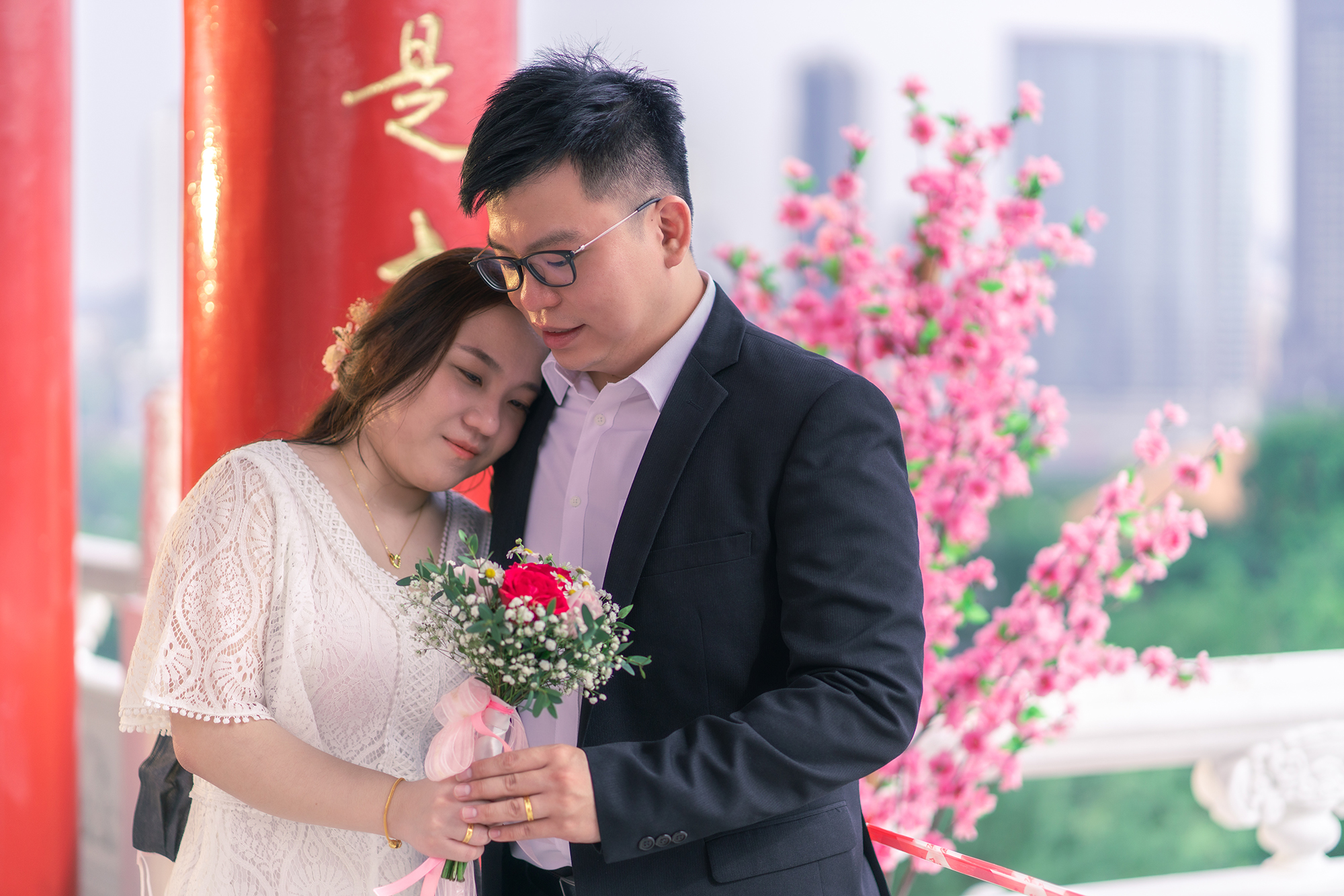 Yuen Thian & Yiyi